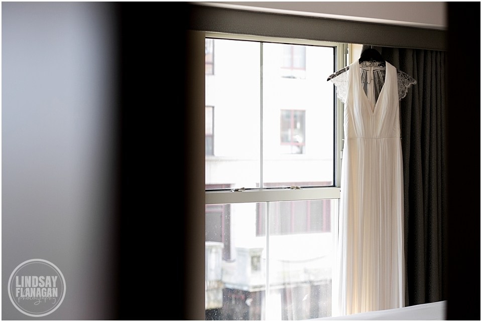Battery-Wharf-Hotel-Wedding-Boston-MA-Lindsay-Flanagan-Photography_0001