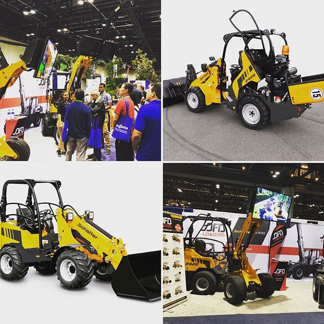 """Incredible turnout for our US launch of #DFDLoaders at the #fngla in Orlando next stop #gieexpo #gie #louisvilleky come watch how this 35""""-48"""" wide loader lifts over 3000lbs"""