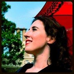Julia Lee Dean -Writer, Editor & English Language Trainer