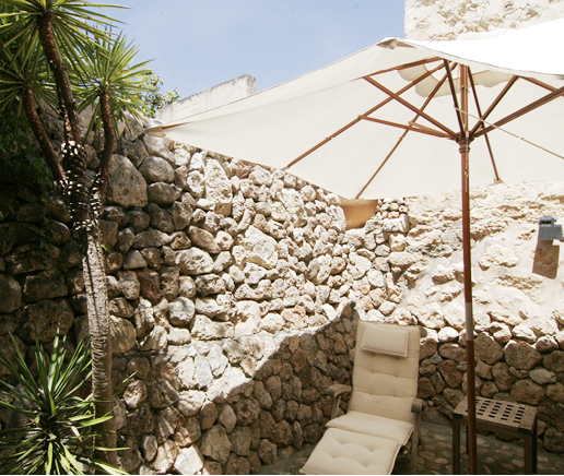 terrasse-suite-patio-finca-hotel-refugio-son-pons-mallorca