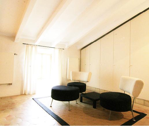 großer-kleiderschrank-suite-junior-finca-hotel-refugio-son-pons-mallorca