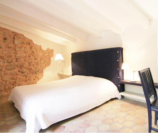 schlafzimmer-suite-patio-finca-hotel-refugio-son-pons-mallorca