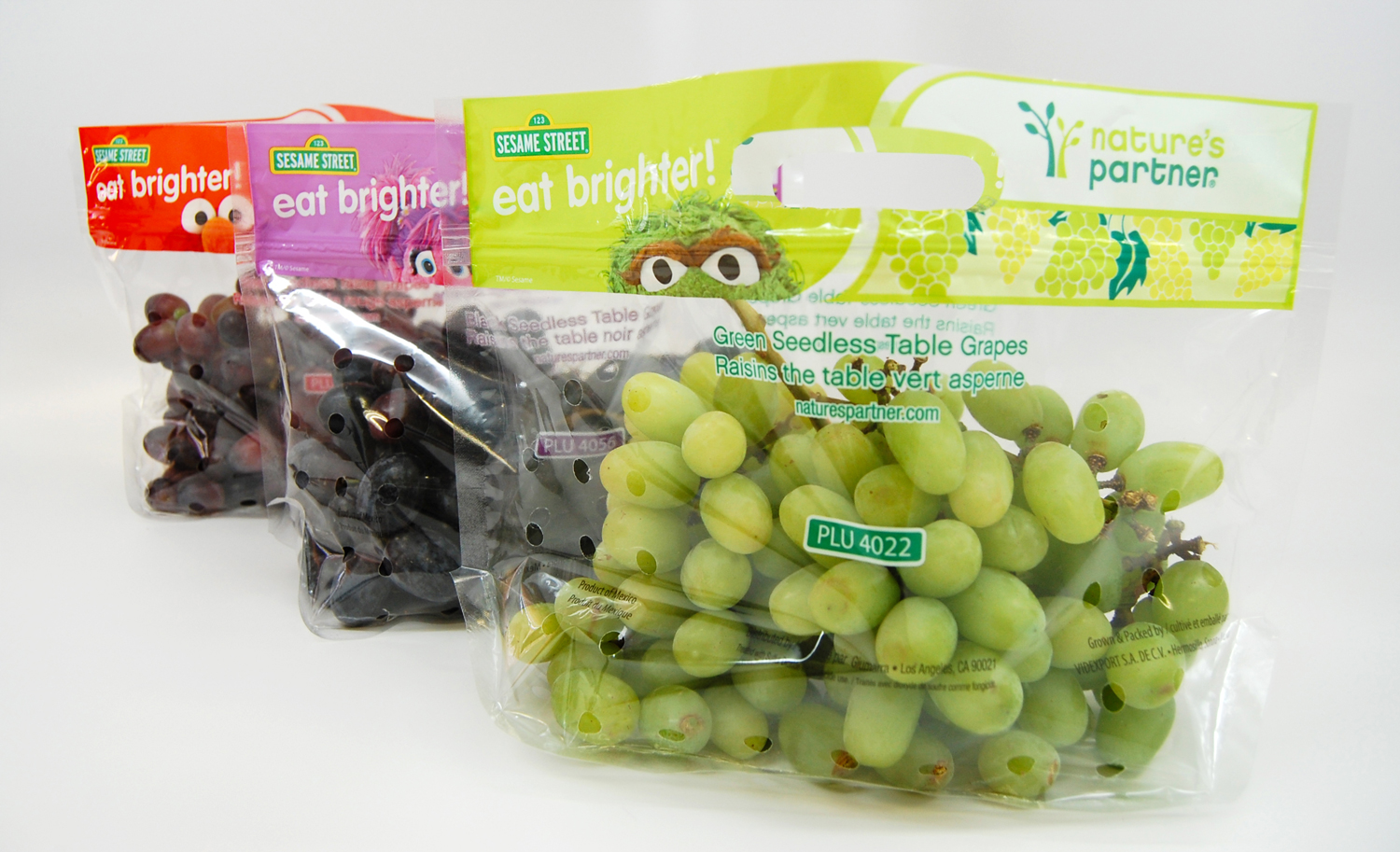 Nature's Partner grape bags  .     Click here to download high resolution image.