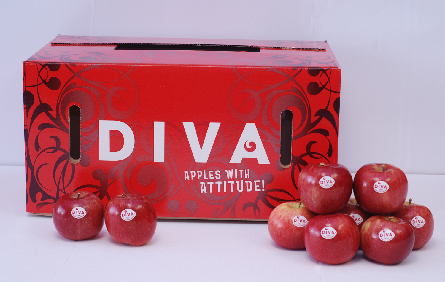 DIVA apples grown in New Zealand  .     Click here to download high resolution image.