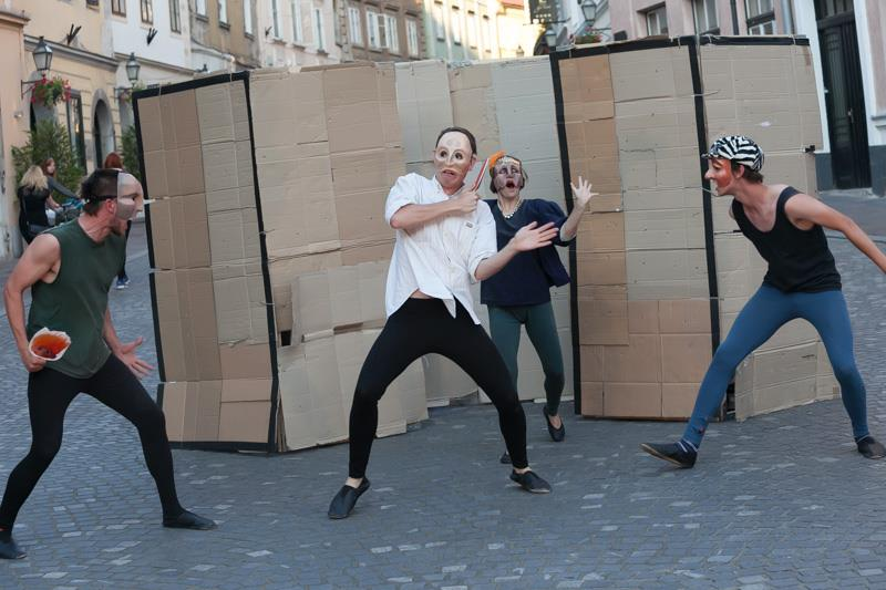 ROMEO AND JULIET   40-minute half-mask tragic street comedy (that we conceived and directed, performed by the students of ŠUGLA, 2014-2015)
