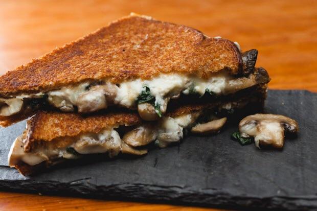mushroom spinach grilled cheese.jpg