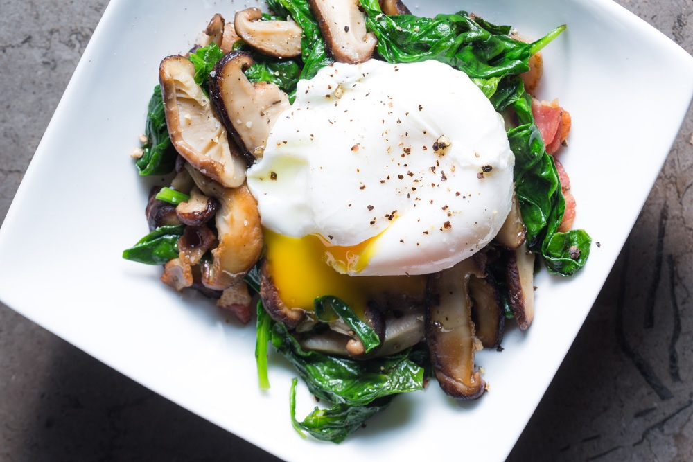 spinach kale poached egg stcgo
