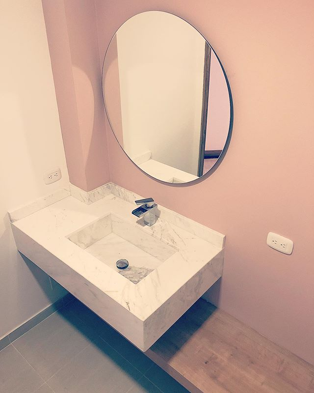 Our new pink baby #bathroomgoals #islaproyectos #diseñodeinterior #arquitectura #islaproyectos #colortéderosas #volakasmarble