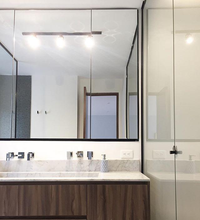 Baños IS+LA / APARTAMENTO MZSZ / Baño principal #islaproyectos #bathroomgoals #remodelacion #disenointeriores #arquitectura #acabadosarquitectónicos