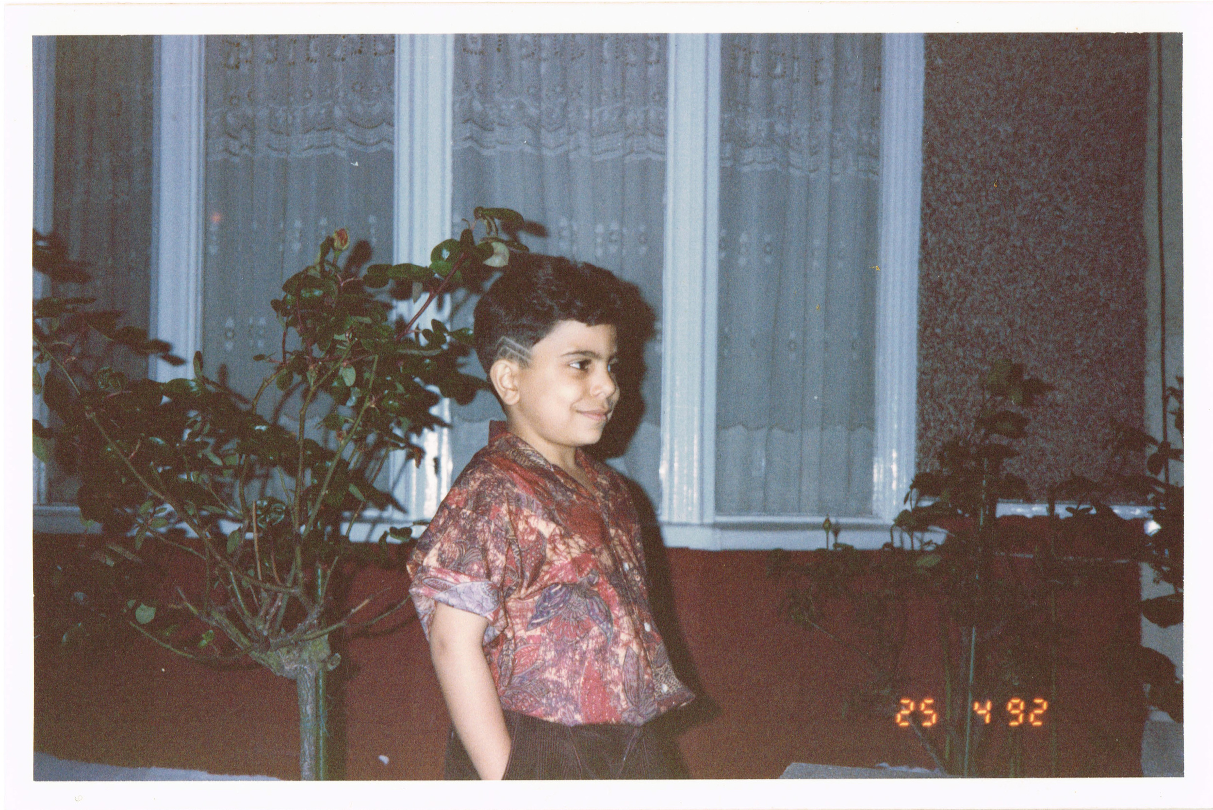 That phase when having zigzag haircuts was cool! I still roll my sleeves tho:)