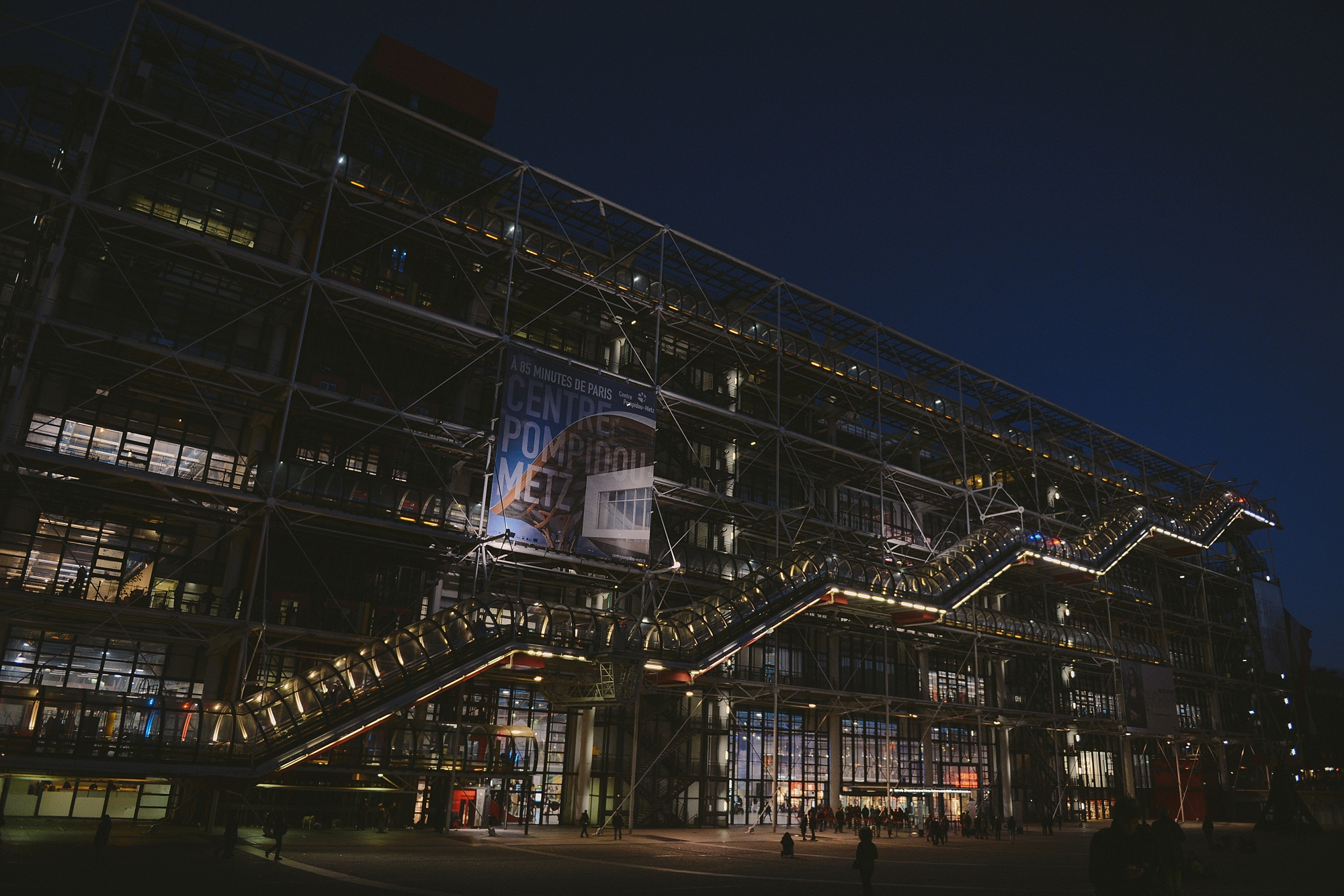 pompidou exterior by night_0024.jpg