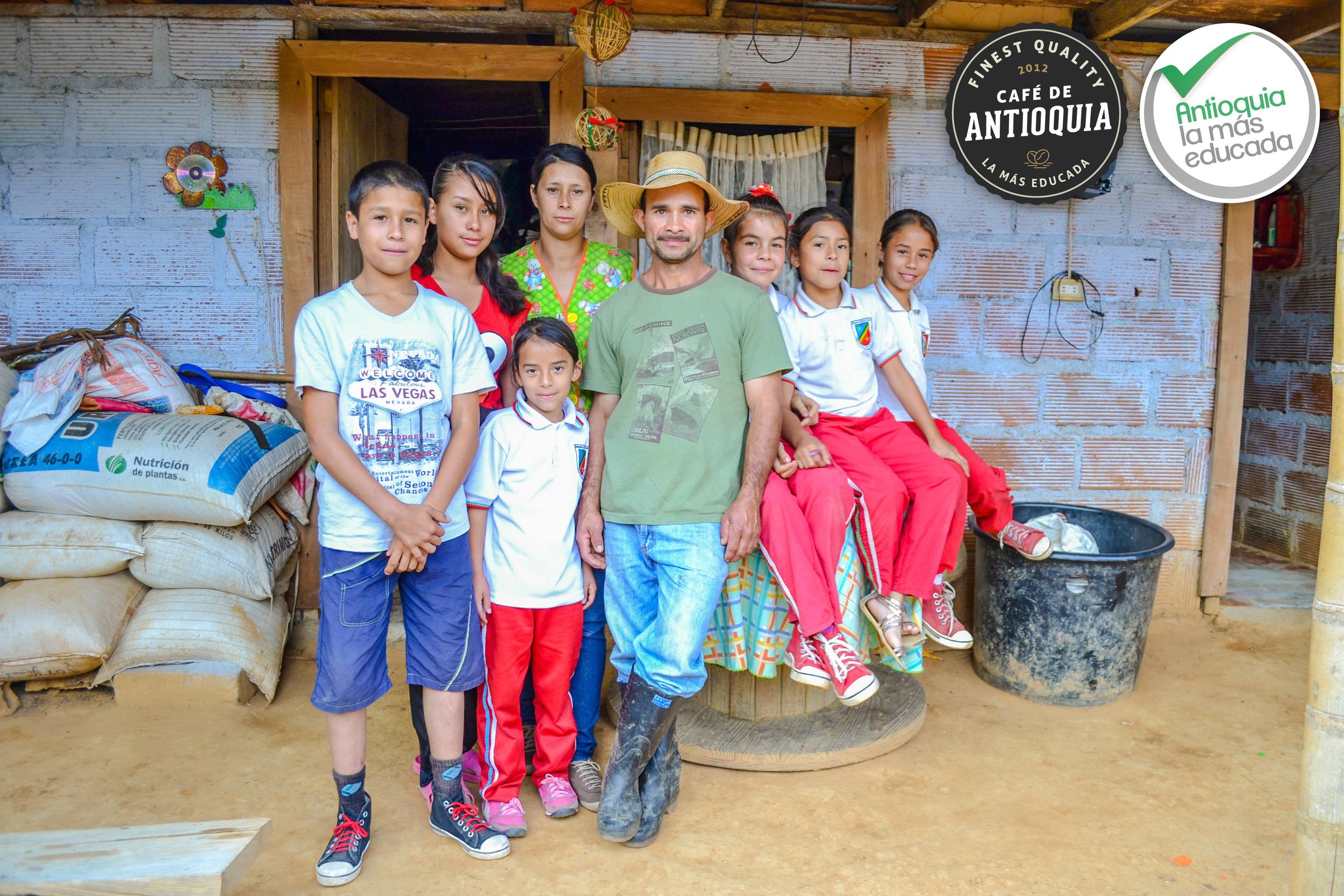 Antioquia Microlot Finca Los Cedros 4.jpg
