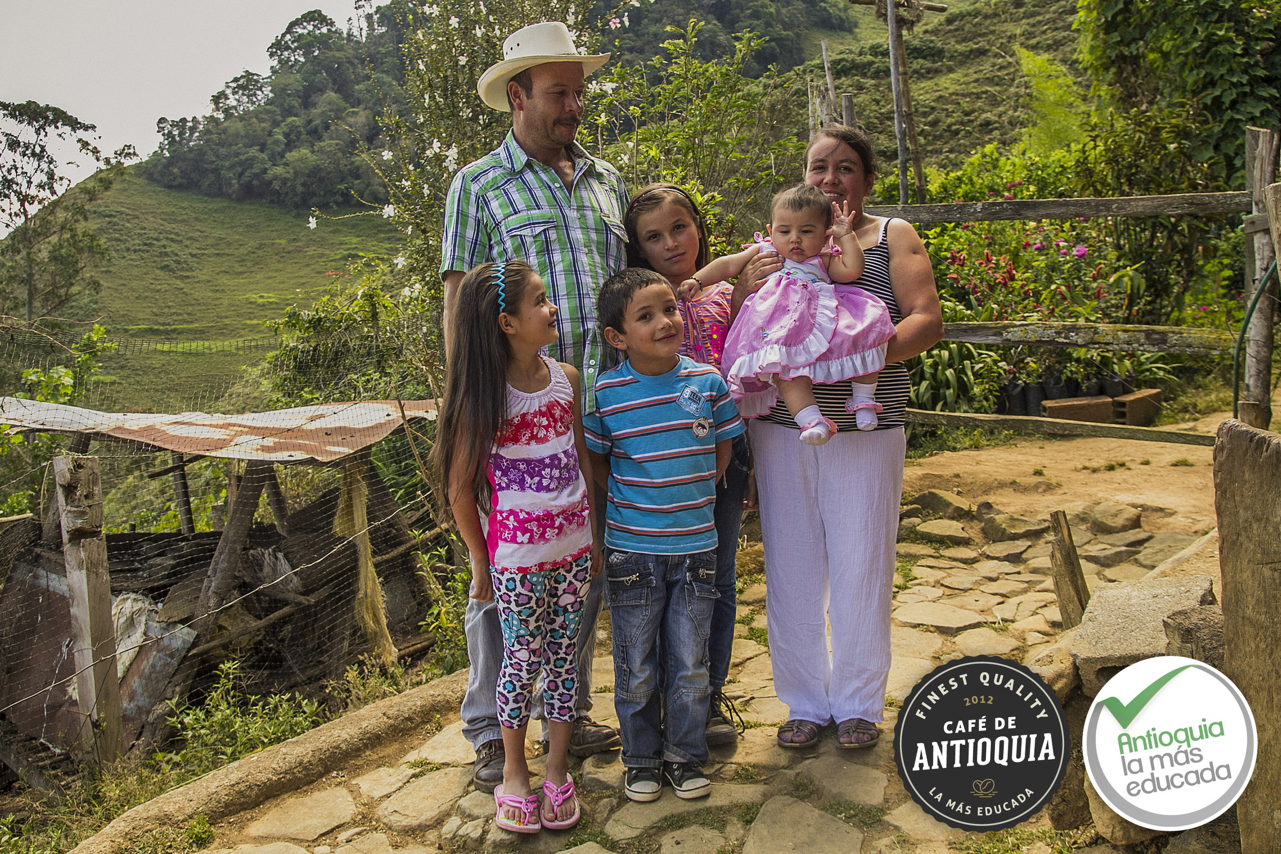 Antioquia Microlot Finca La Cabaña 2.jpg