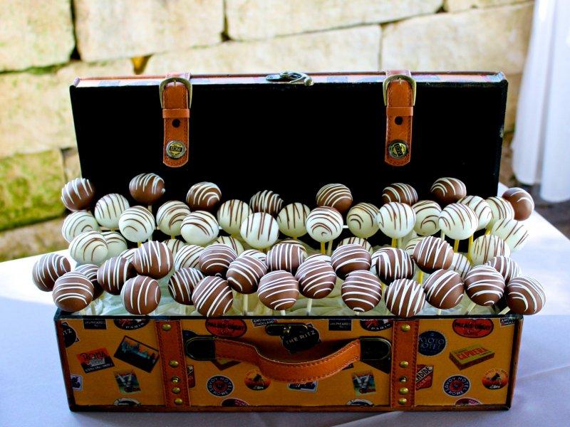 cake-pops-in-trunk-1.jpg