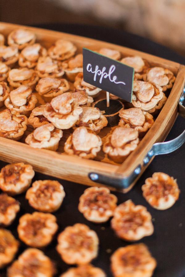 mini apple pies, mint photography.jpg