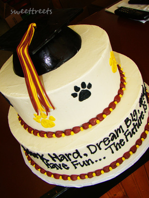 grad-cake.jpg