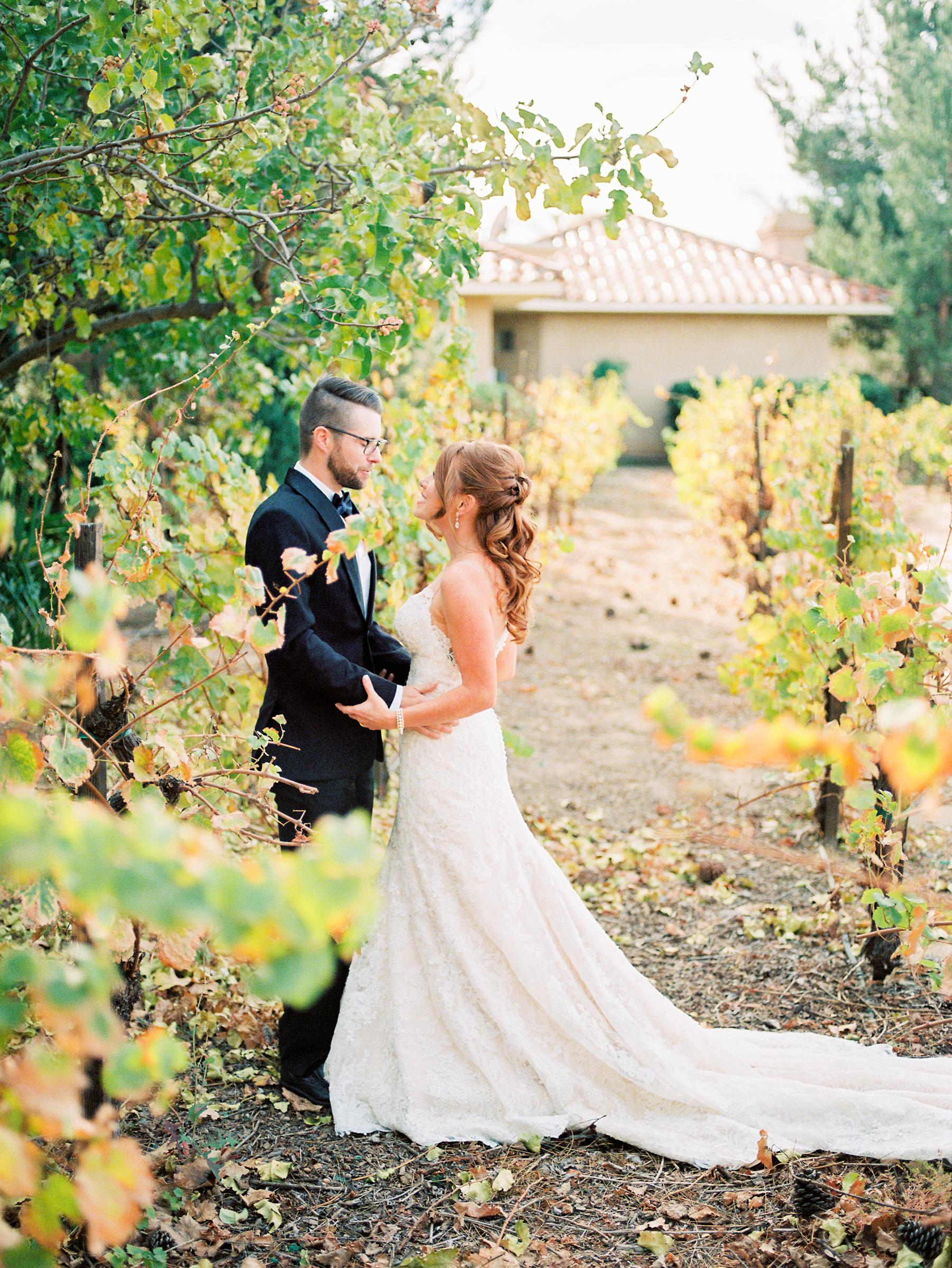 dennisroycoronel_white-winter-barn_temecula_wedding_photographer-37.jpg