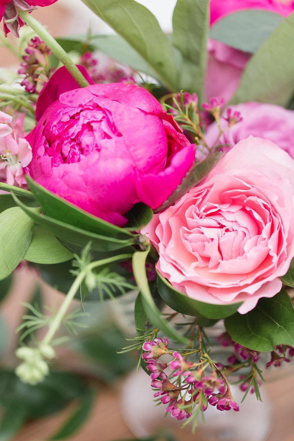 Pink Floral Centrepiece Ingredients