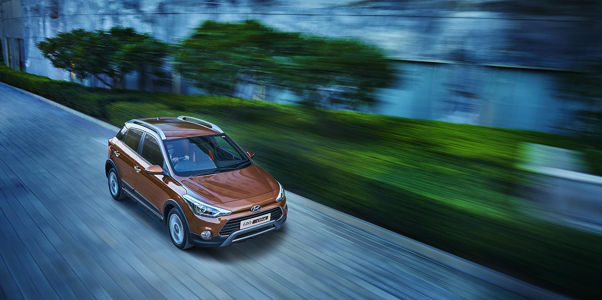 Hyundai i20 Active Motion Brown Top