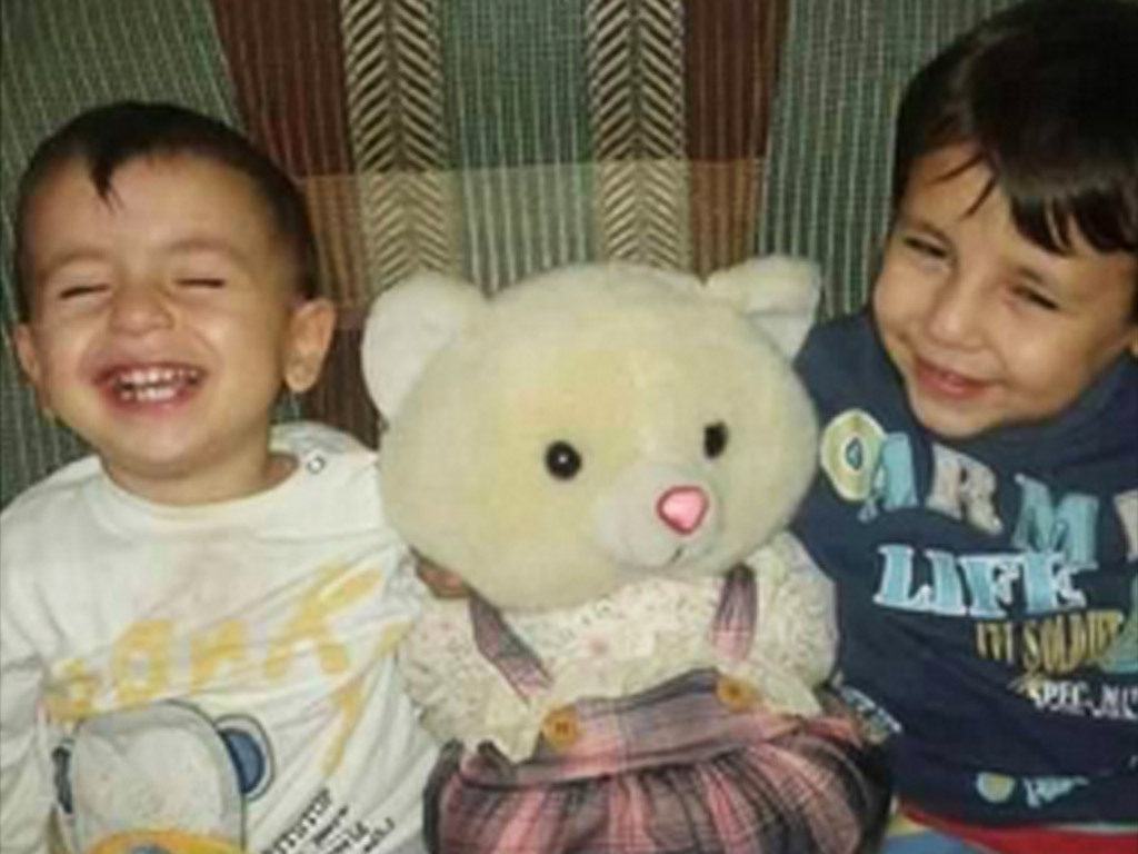 Aylan Kurdi (left) and his older brother, Ghalib, died when their dinghy sank off the coast of Turkey