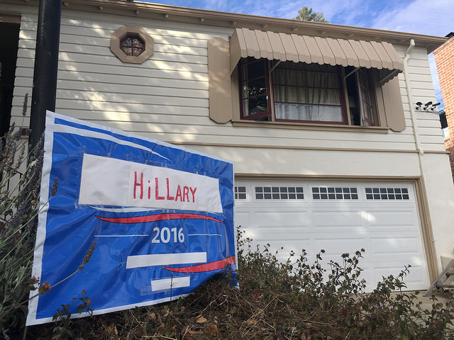 Bernie supporter supports Hillary , by schroepfer,   CC BY 2.0