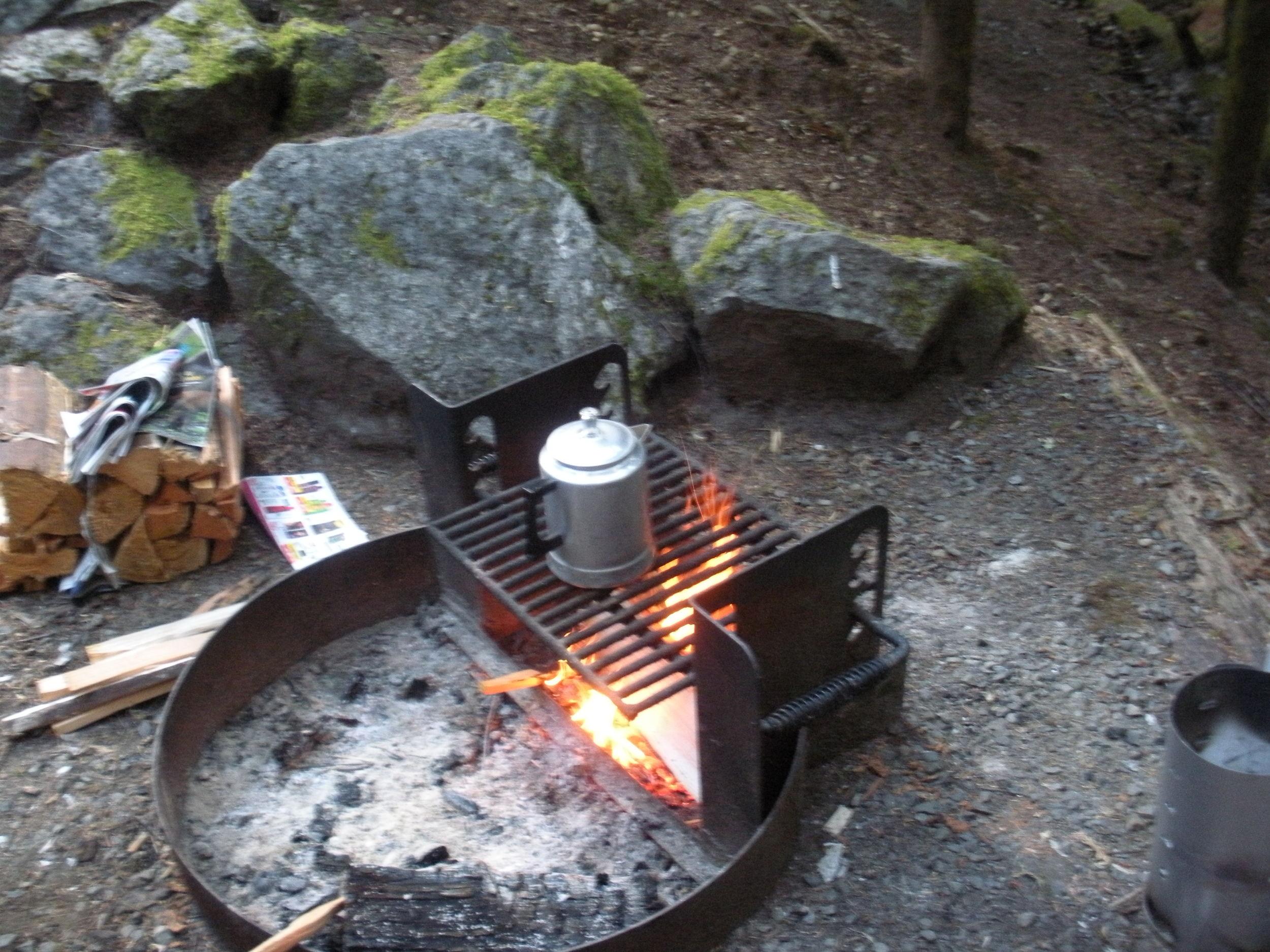 Cowboy coffee on Saturday morning. Breakfast menu: bacon, eggs, and leftover cornbread