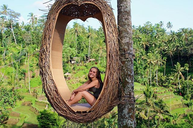 Members Abroad🌎 Isabel Chafey is a junior from Puerto Rico, majoring in Finance & Strategic Management in Wharton. Isa is currently abroad in Southeast Asia; even though we miss her, we are happy to see she's having an incredible time! Scroll to see some of her amazing pictures!!💥🐲🏞