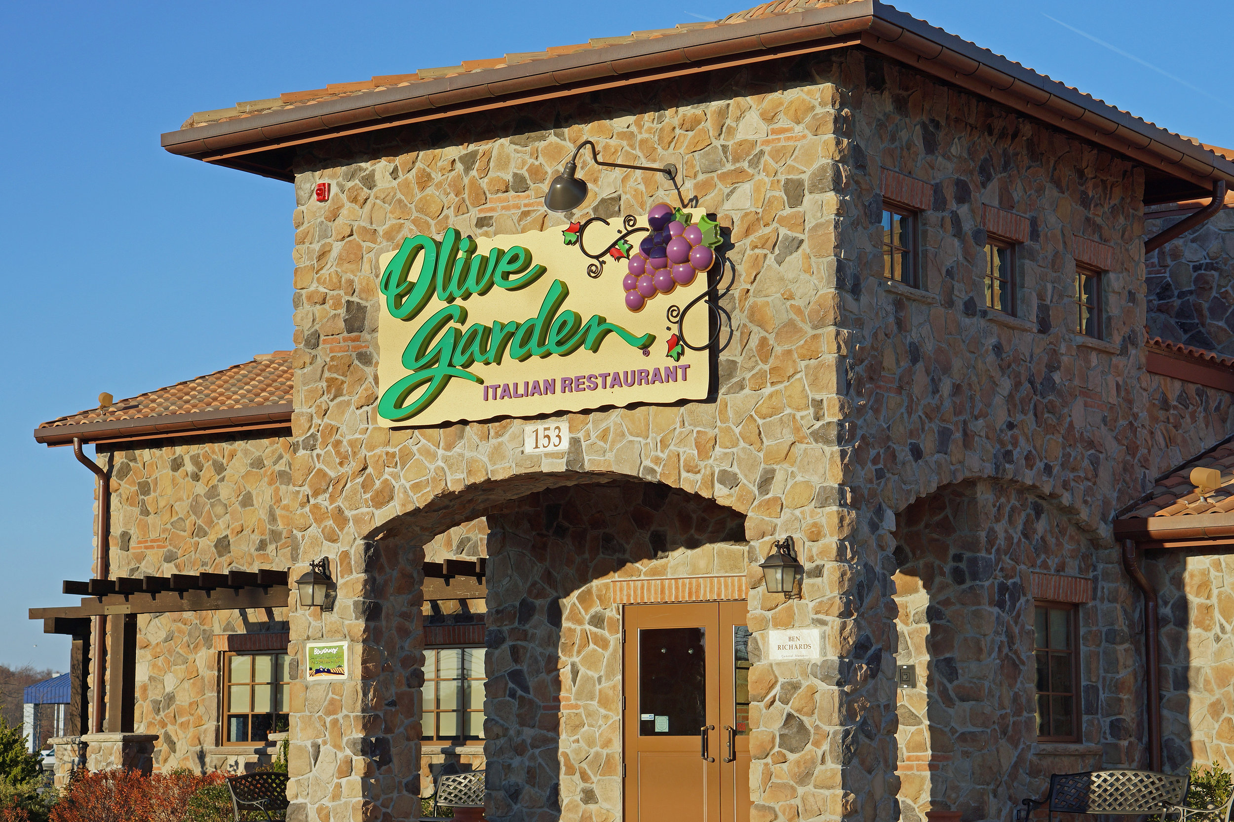 """If you Google-image-search """"Olive Garden,"""" you'll find they all pretty much look like this"""