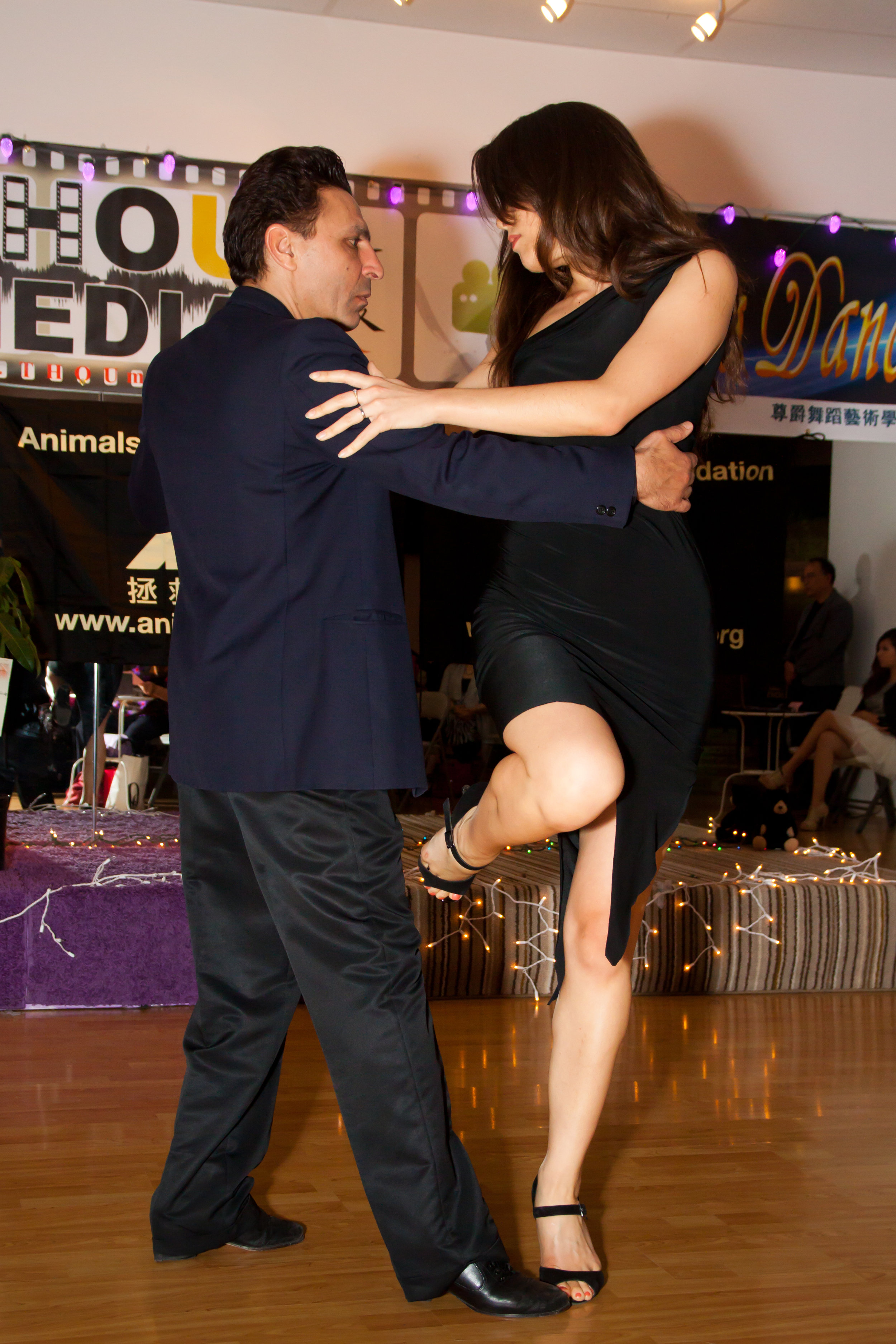 mat mia tango pose 2 .jpg