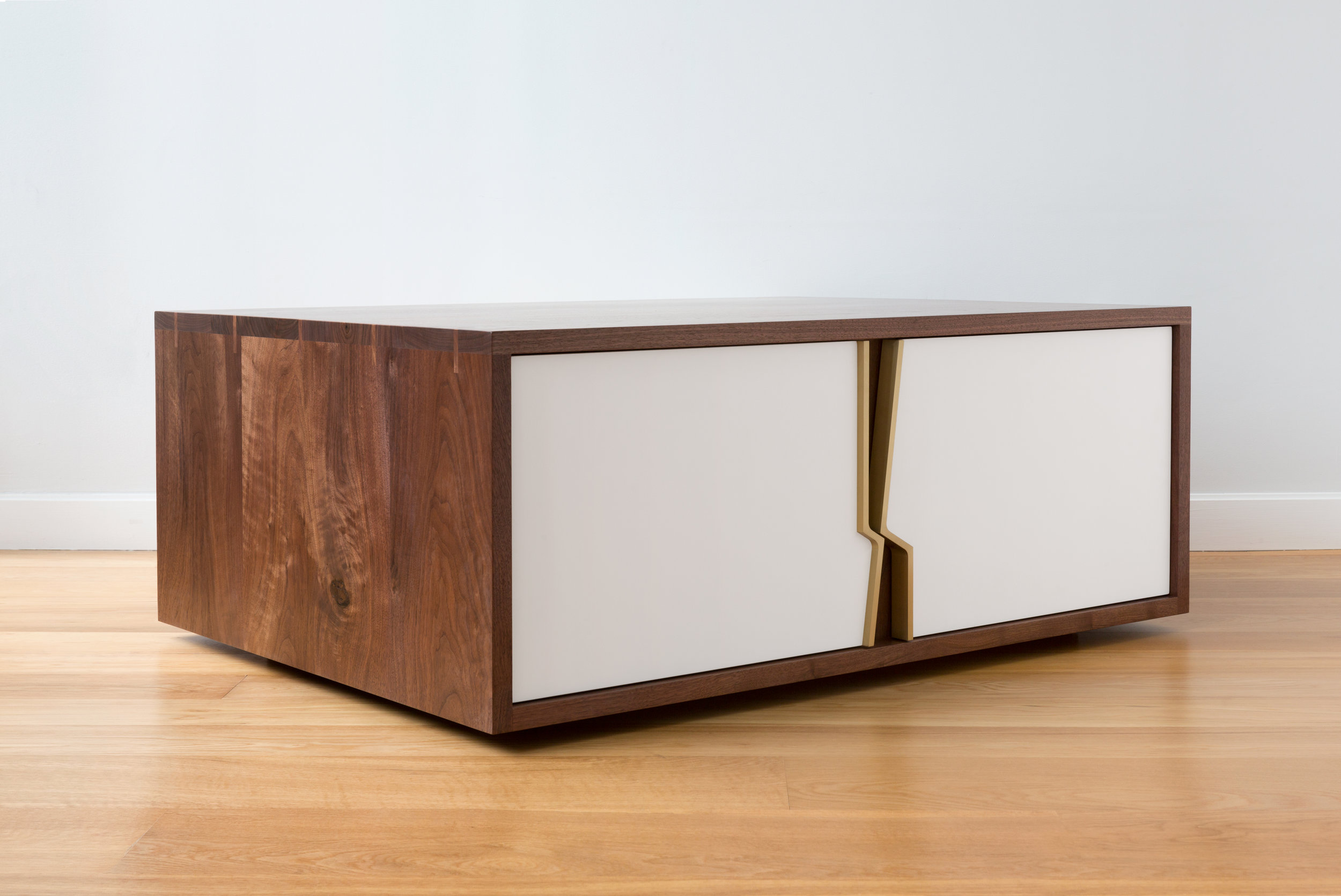 Halsey Fracture Coffee Table in Walnut, Brass and Lacquer by Piet Houtenbos