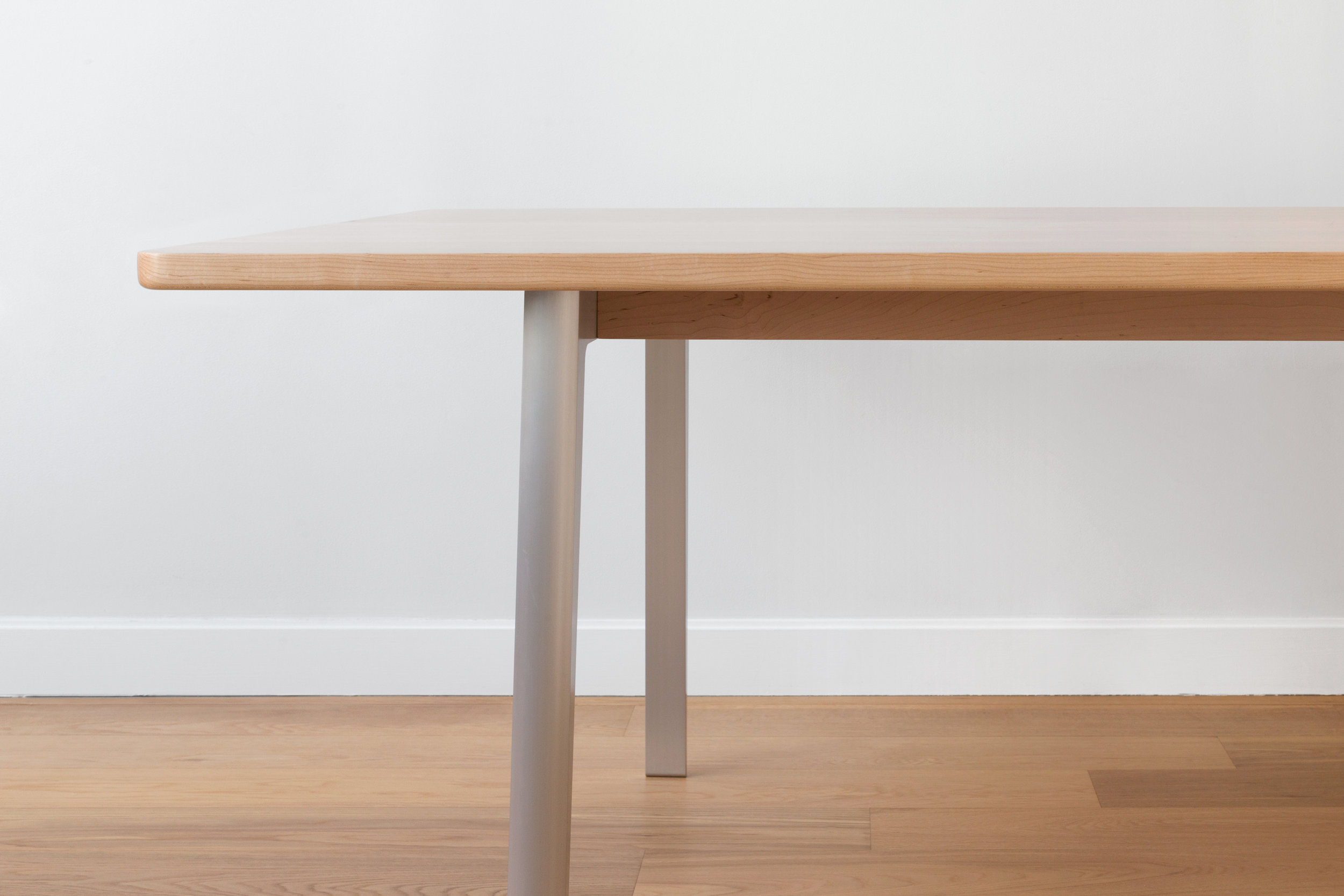 Alu-Dining-Table-Straight-End-Detail.jpg