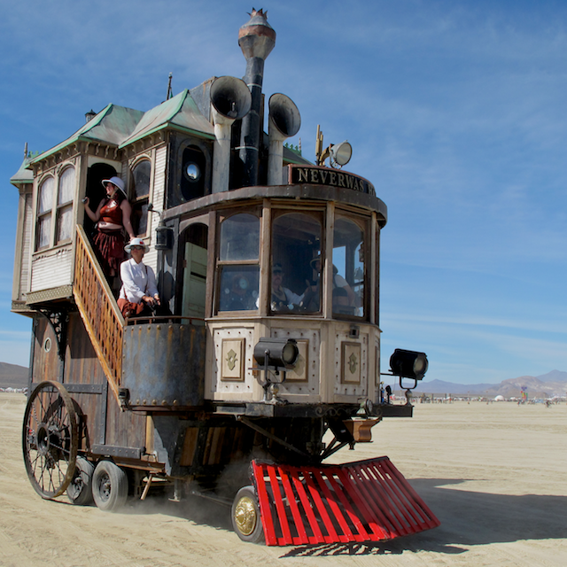 2010: Neverwas Haul tours the desert.