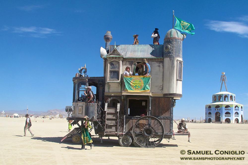 Neverwas-Haul-2012-Burning-Man.jpg