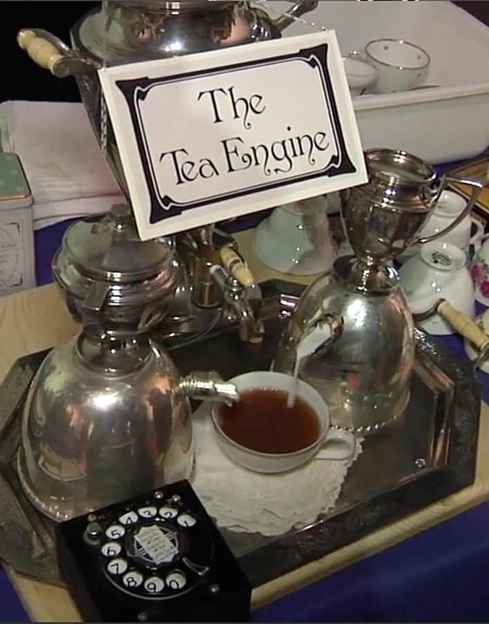 Tea_Engine_Pour copy.jpg