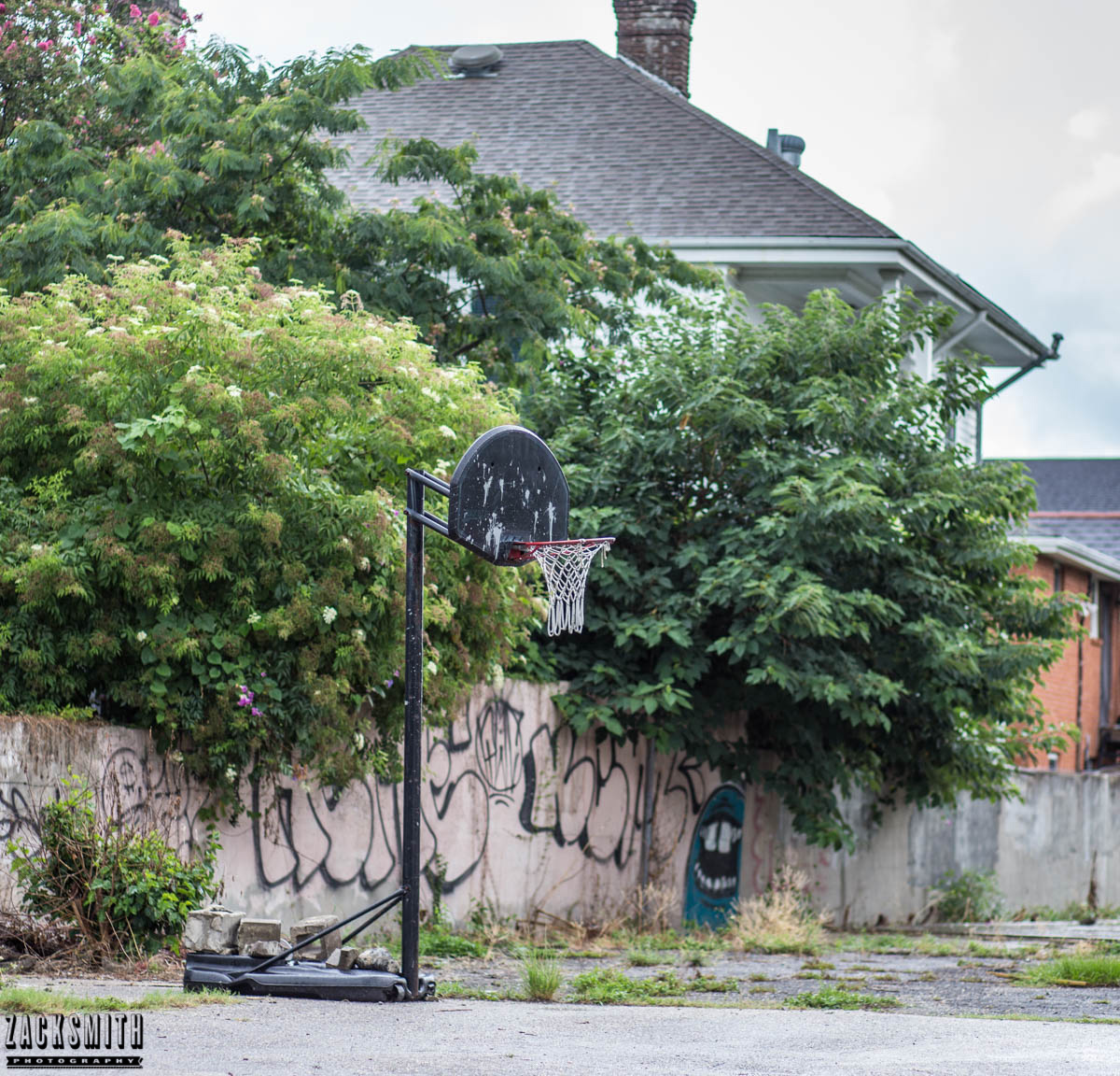 """Zack Smith Photography - """"Walking with the Prime"""" photo gallery new orleans 85mm Louisiana photographer photo tips and techniques landscape weathered graffiti architecture"""