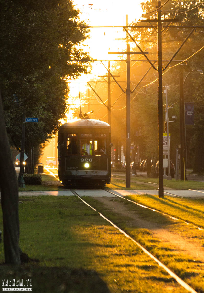 st-charles-avenue-streetcar-new-orleans-photographer-zack-smith-photography-sunrise