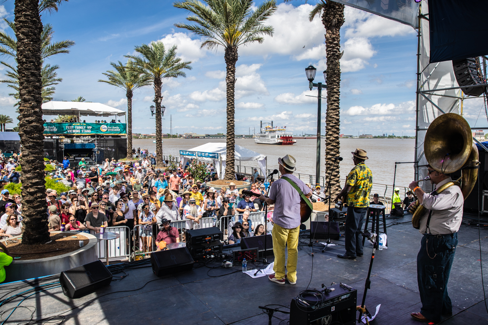 One of my favorite compositions: Band + Crowd + Riverboat + Blue Sky. Tin Men open up the day at the GE Stage. ©Zack Smith Photography
