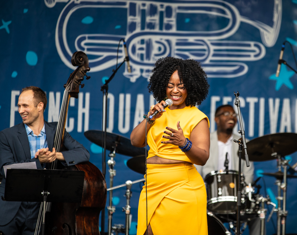 Quiana Lynell performs at the Hilton Stage, and cracks her own band up in the process! Such a powerful new voice in jazz! ©Zack Smith Photography