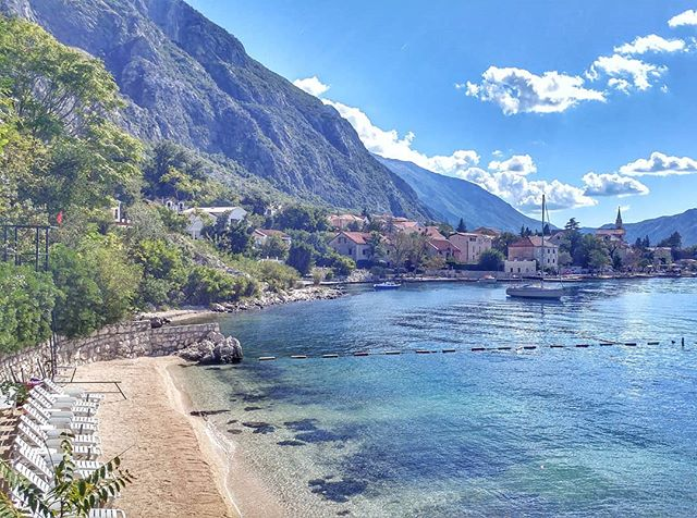 We still have an amazing weather here in Kotor! ☀ Hands up who fancies a swim✋ #villapm #villapmcom #kotorbay #kotor #doorstepswim #dobrota #sundayfunday #enjoythesun #lovefromdobrota #montenegrolandscape #nature #vacationgoals #vacationinmontenegro #travelphotography #beachview #beautifuldestinations #beautifulhotels #apartmentwithseaview #apartmentsforrent #airbnb #bookingcom @airbnb @airbnbreview @bookingcom