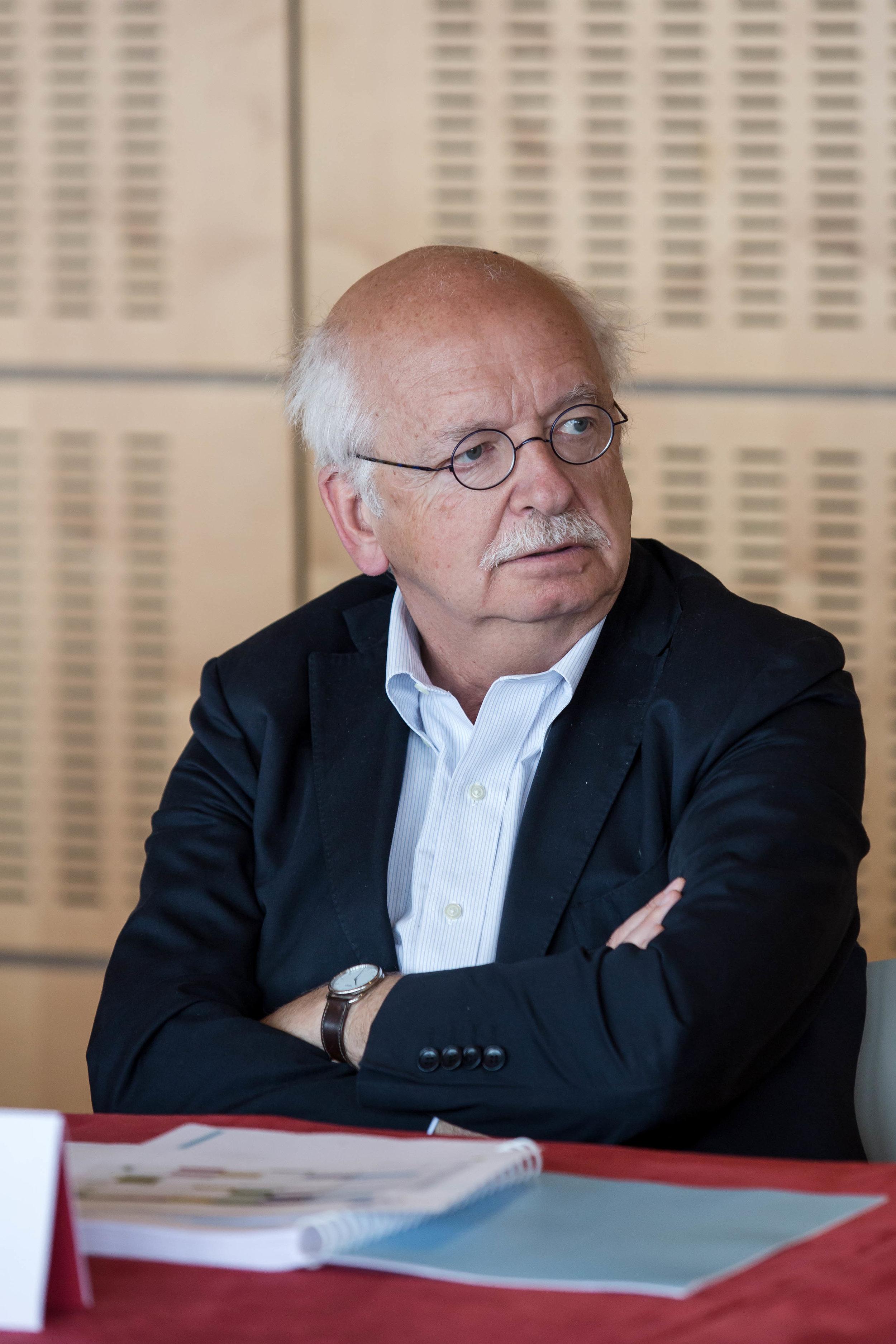 Erik ORSENNA    Ecrivain, Académicien français
