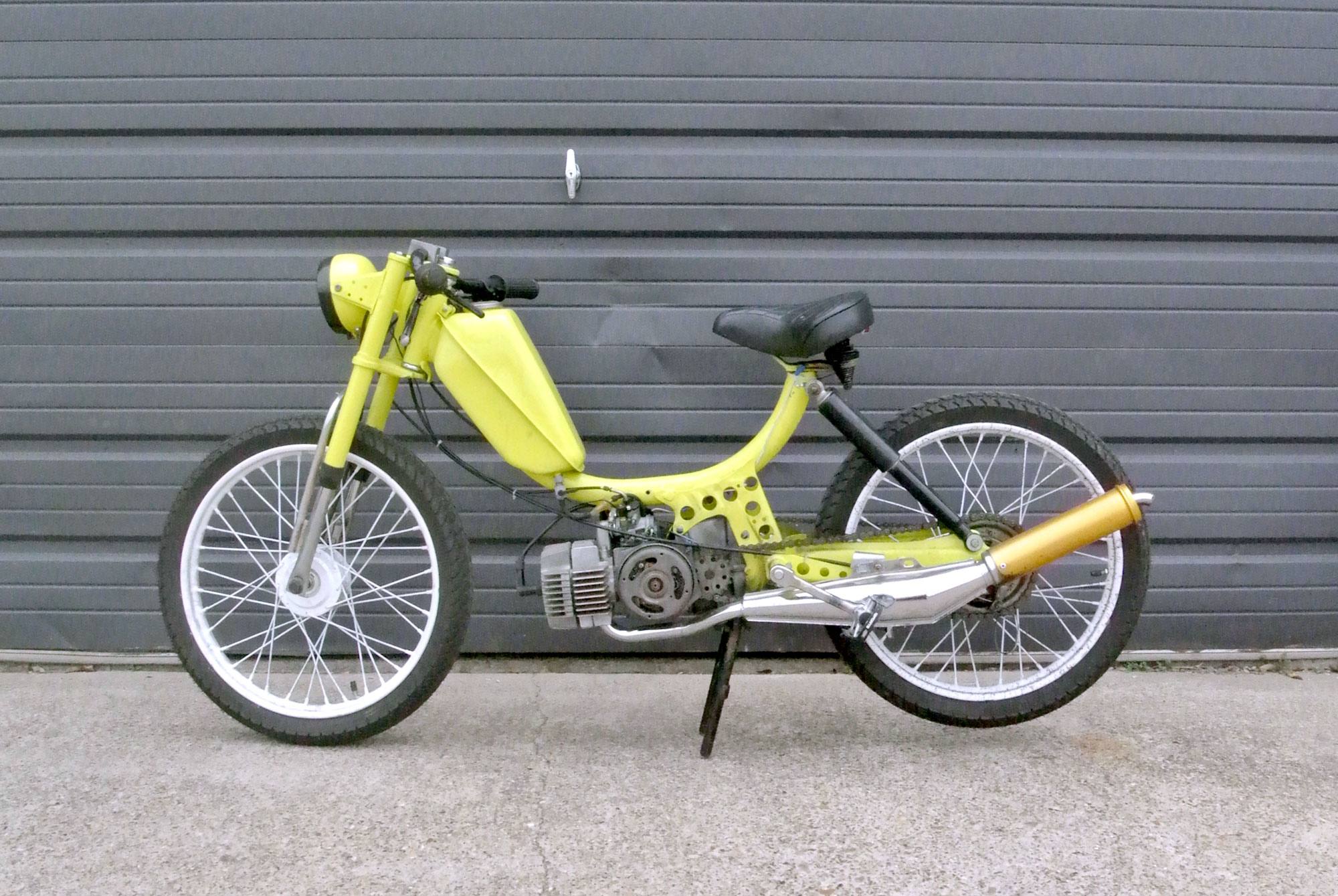 moped-1978-freespirit-neon-yellow-CB001_1.jpg