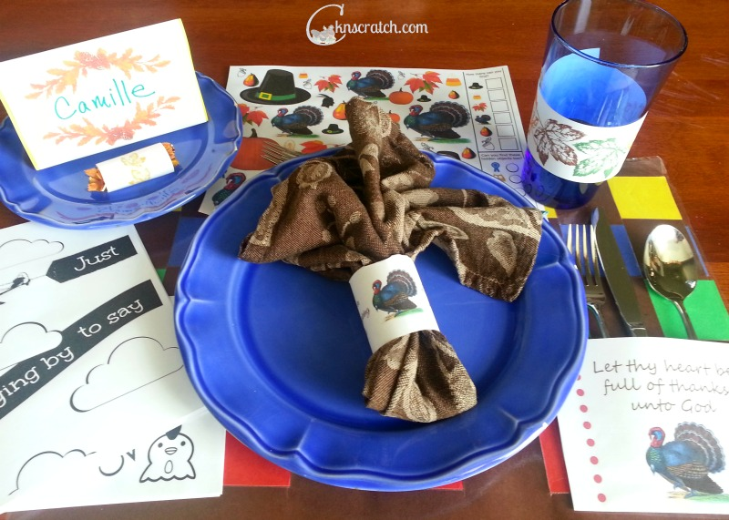 Beautiful Thanksgiving table with all the free printables!