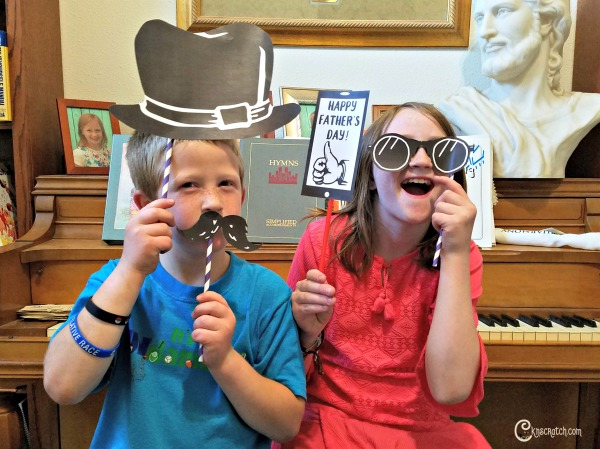 Father's Day photo booth! Free printables