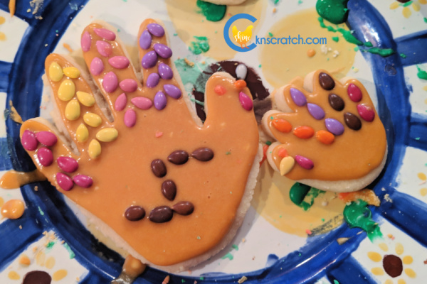 Hand print cookies are my favorite to make every Thanksgiving- great treat ideas for the holiday season #teachlikeachicken #Thanksgiving #turkey