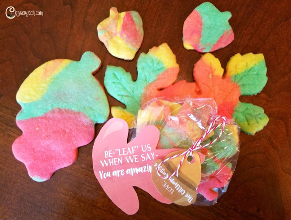 Love these fall leaf cookies for fall plus free printable tag for giving #teachlikeachicken #fall #cookies