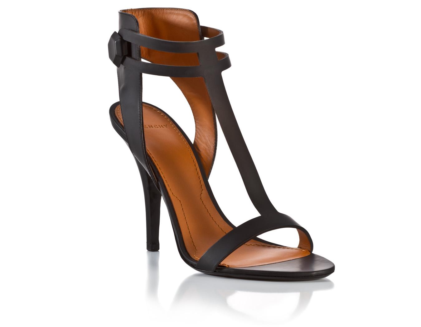 Givenchy shoe product photo