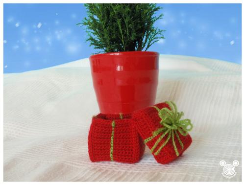 Crochet Christmas Gift Box Free Pattern
