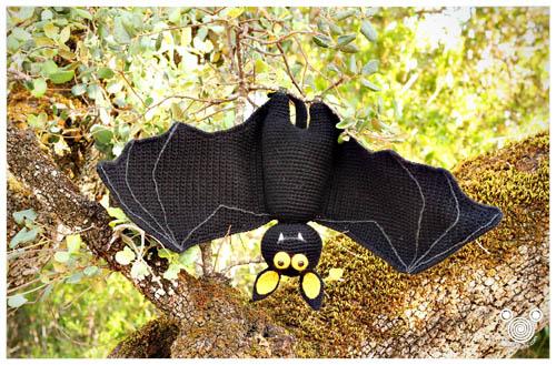 Amigurumi bat crochet