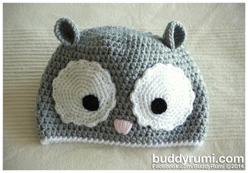 Big eyes crochet hat light grey gray