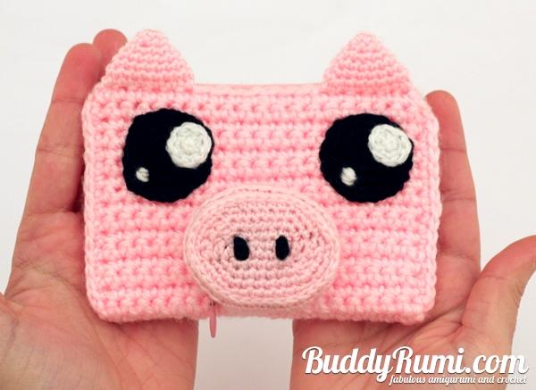 Pig crochet wallet